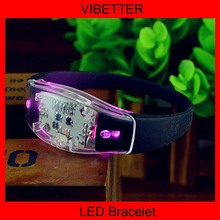 China factory wholesale Party/concert/event/bar Wireless led flashlight wristband