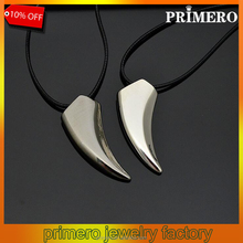 PRIMERO Punk Brave Men titanium Steel Wolf Tooth Spike Pendant Necklace Men Personality Male Necklace Jewelry for Friends Gift
