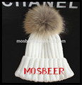 Nice 100% Acrylic Knitted Hat With Big Size 19 cm Raccoon Fur Balls