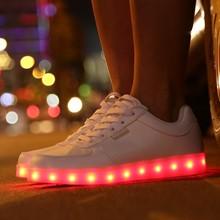 2015 Fashion comfort stylish led flashing shoes for men and women in big sizes