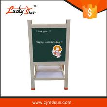 Vert chalk conseil avec chevalet, Décoratif chalk conseils pour les enfants écriture et de dessin
