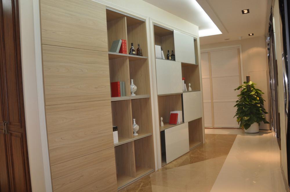 en bois porte automatique coulissante rouleau de porte de mat riel glissi res de portes. Black Bedroom Furniture Sets. Home Design Ideas