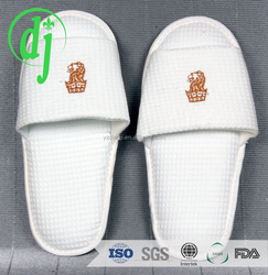 hotel slippers with anti-slip dots sole /disposable towel terry slippers