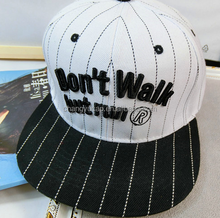 Black and white two six pieces of cap/LOGO can be customized