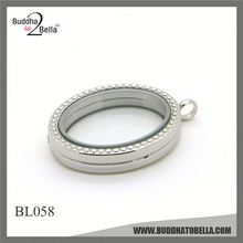 Factory Supply OEM design ancient round locket for sale