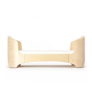 リアル品質クラシックナチュラルカラーデザインセーフ木製ベビー家具ベビーベッド車輪