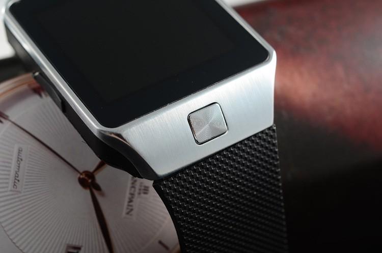 http://g02.s.alicdn.com/kf/HTB1iQ3lHpXXXXXiXVXXq6xXFXXXs/2015-Newest-Bluetooth-Smartwatch-DZ09-Smart-Watch.jpg