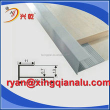 Anodized and polished shining silver aluminum corner tile trim