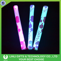 Customized LED Cheering Light Stick For Party, Colorful Light Up Cheering Light Stick With Heat Shrinking Film Logo