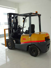 3.5 ton diesel forklift truck CE approved with Japan Nissan forklift truck , in good condition