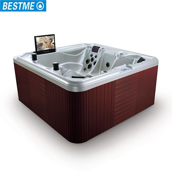luxurious clear acrylic bathtub with tv for 3 pillows