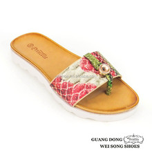 trendy relax style snakeskill vein rhinestone ornament thong hot sale new fashion promotionals slippers 2012