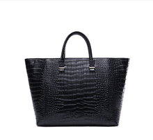 Popular simple crocodile trend leather handbag
