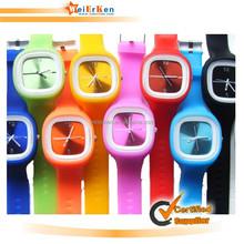 2015 New design custom fashion silicone digital watches