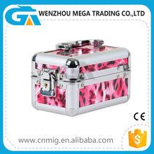 China Wholesale Hard Shell Cosmetic Aluminum Beauty Case