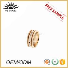 Produtos Hot vender esmalte linha de titânio de aço gravado anéis barato casal jóias
