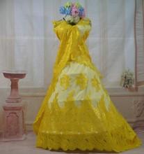 Moda de encaje francés con lentejuelas y perlas de China proveedor tela neta del cordón para el vestido de boda