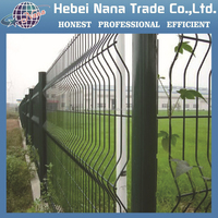 Powder coating or hot dipped galvanized wire mesh fence