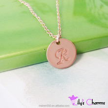 2015 New arrival necklace Tiny rose gold round plain letter R initial disc charm pendant necklace