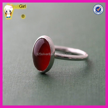 Fashin new design 925 sterling silver finger ring simply lucky oval cut garnet one stone ring designs