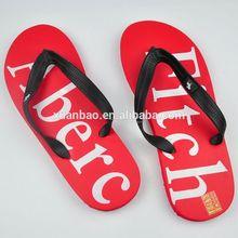 venta caliente nuevo diseño de sandalias de moda y las traviesas