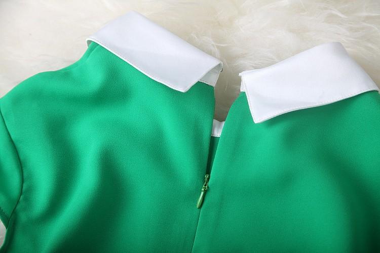 короткий рукав Топ зеленого бисера повернуть вниз воротник колено длина женщин лето печати платья, платье партии элегантный вечер