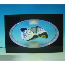 2015 acrylic material suspending rotating shoe pop display