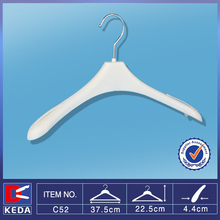 Wholesale metal hook plastic clothes hanger with shoulder non-slip C52