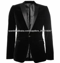 traje de terciopelo para hombres