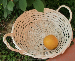 wholesale factory round willow/wicker fruit/vegetable storage tray/basket with handle