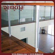 intérieur en bois balustrades en verre