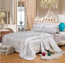 2015 fashionable Silk Comforter Standard cotton quilt