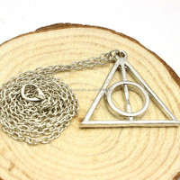 Character charm necklace Luna deathly hallows triangle sautoir sweater chain