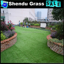 Natural looking landscaping artificial turf grass
