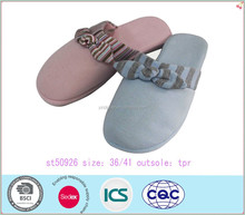 wholesale hot selling grace heart adult plush winter indoor slipper