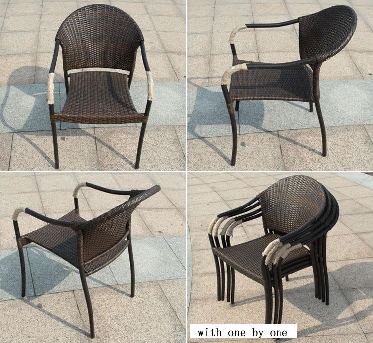 Plein air rond en osier chaises et tables cinq pi ces for Table et chaise en osier