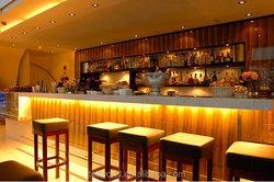 Modern bar furniture /commercial high glowing pub led bar counter