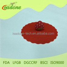Hot sale silicone cup lid with different color Strawberry series