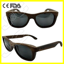Custom promotional wayfarer wooden frame sunglasses brand free name with bamboo case