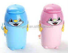 Eco-friendly plastic choldren cheap water bottle in different shapes