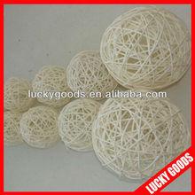 good guality fashion white rattan balls