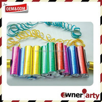 Unusual wedding streamer party popper with colorful streamers