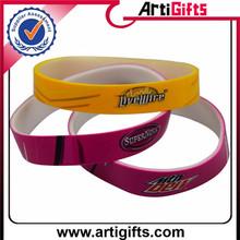 Hot sale custom chrismas gift for kids personal harmless silicone bracelets
