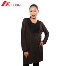 Vestido suéter con patrón tejido con lana madura para mujeres
