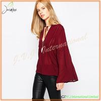 2015 New Design Hot Sale Long Sleeve Lady Blouse Back Neck Design