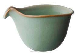 Beak-shaped Tea Pitcher- Medium
