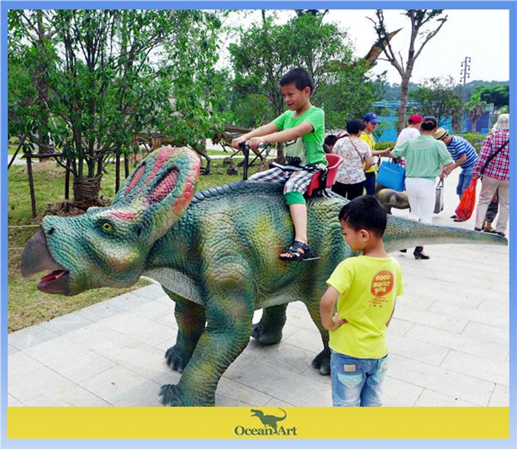 juegos infantiles para paseos al aire libre patio de recreo de los dinosaurios