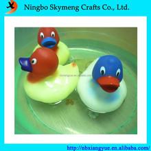 temperature-sensing magic plastic duck toy