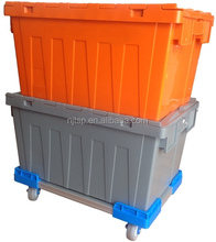 Plastic container for material handling