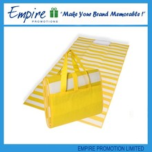 Yellow foldable stripe fashionable hot sale beach mat with inflatable pillow